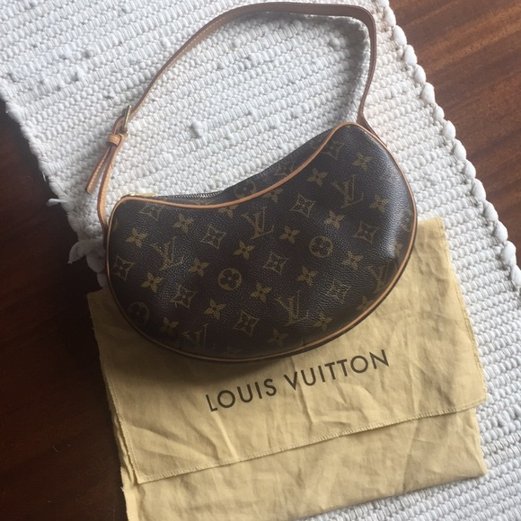 24bfea25a0d8 Louis Vuitton Handbags - Authentic Louis Vuitton Croissant PM